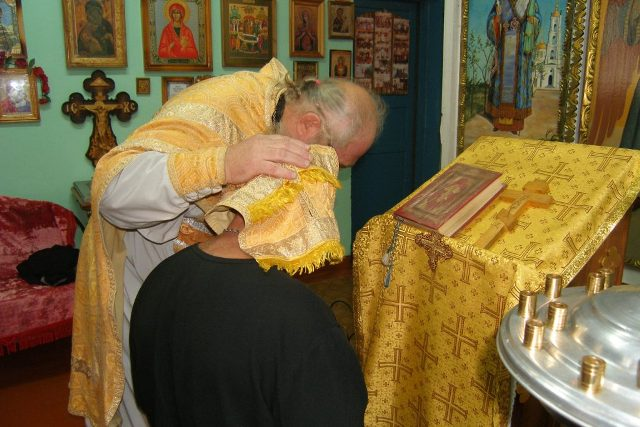Божественная Литургия в ИК-20