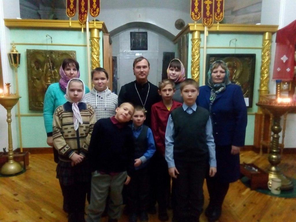 Учащиеся Ульяновской школы в храме