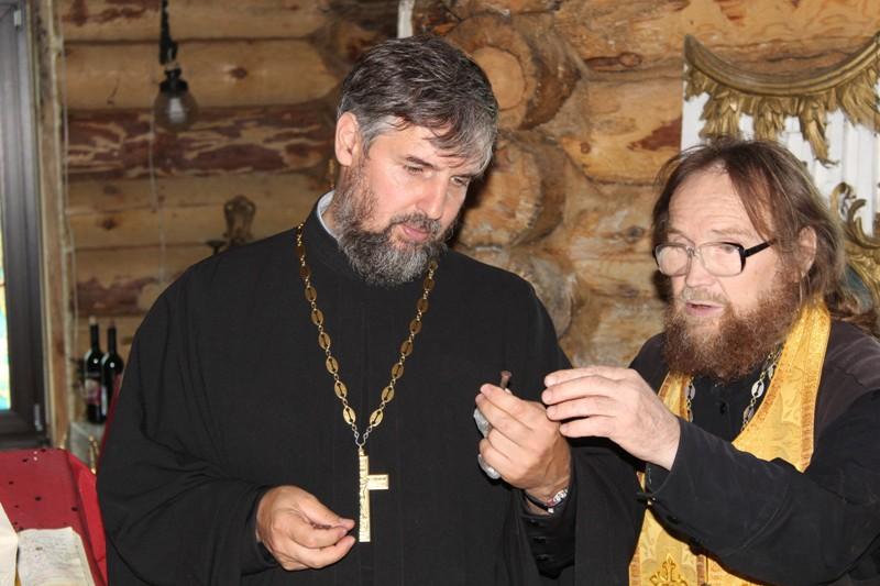 Подготовка к освящению Троицкого храма в селе Тольский Майдан